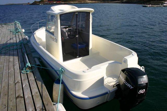 /pictures/Bloms_Fiske/Boat/Bloms_Fiskeferie_boats (3).jpg
