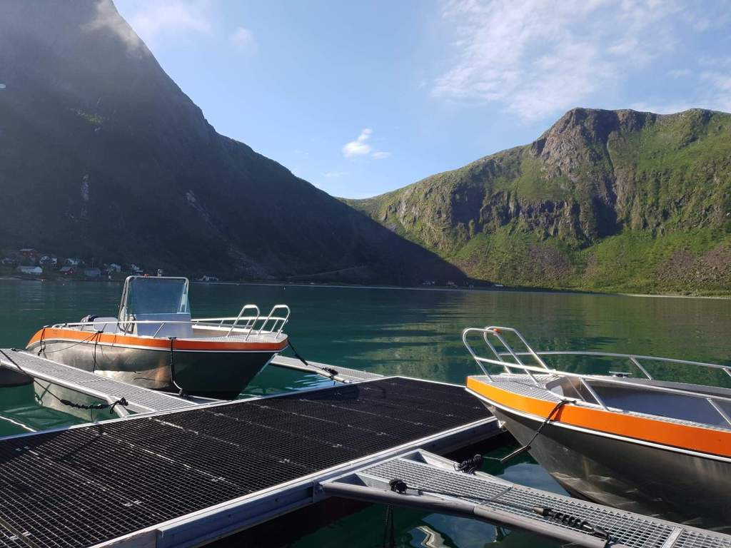 /pictures/Camp Steinfjord/boat/received_10156211884860067.jpeg