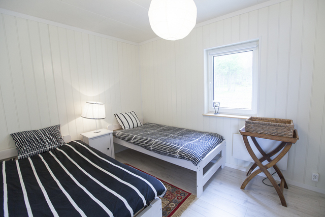 /pictures/Rotsund/rotsund_apartment_1/rotsund_small_ appt_ sleeping_ 2.jpg