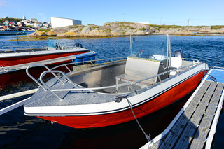 Sula boat 01 - 19ft/70 hp echos/gps