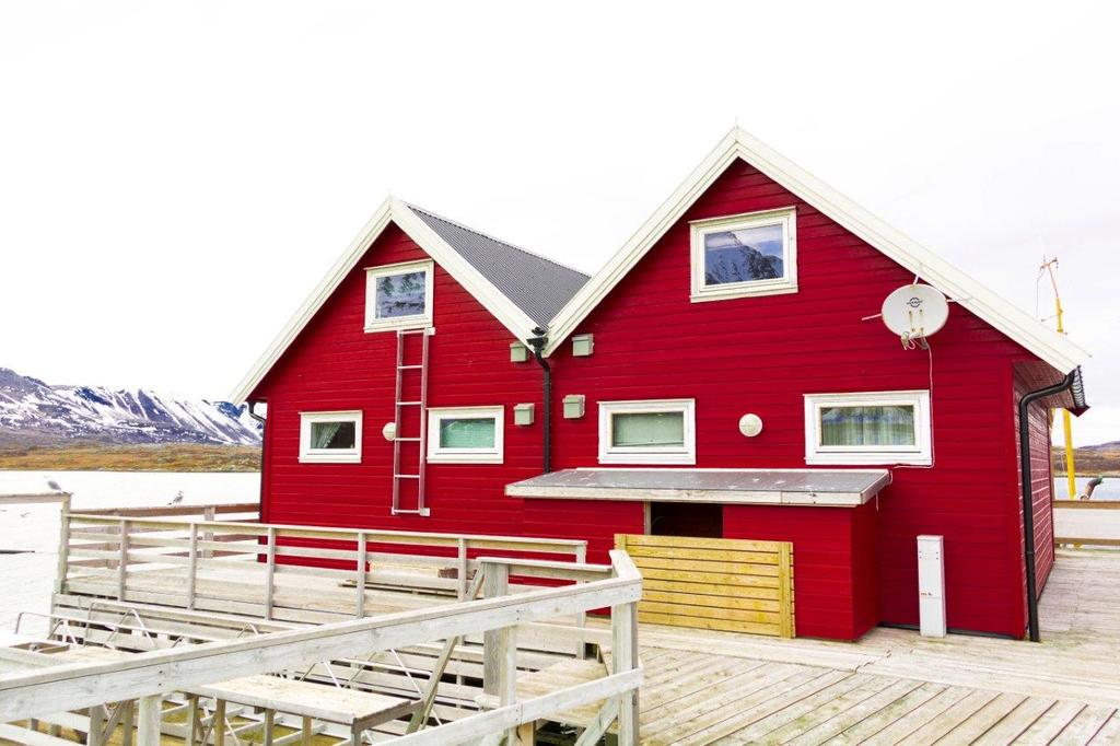 /pictures/vannoya/Vannoya Sjosport - cottages.jpg